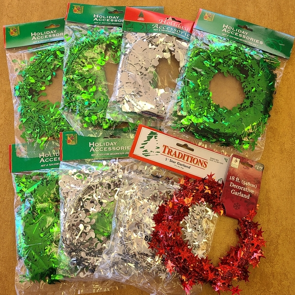 🆕️ Assorted Holiday Wire Garland - 8 strands